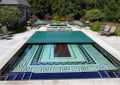 HighTech Pools - Geometric Pool - Traditional Pool