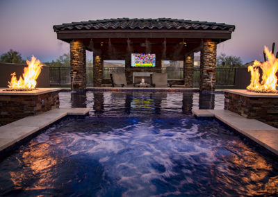 Shasta Pools - Residential Spa w_Feat